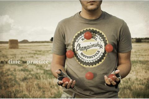 コンタクトジャグリングはいつ練習したらいい?